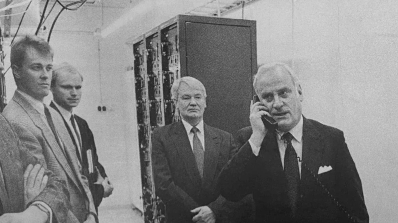 The World's First 2G/GSM Phone Was Made 30 Years Ago